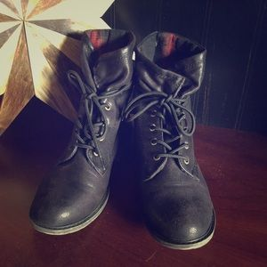 Mud- Black Combat/Fold Over Boot. Size 8